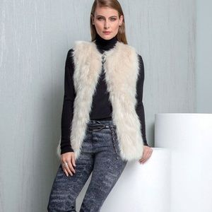 Gorgeous Faux Fur Vest • ETCETERA by CARLISLE
